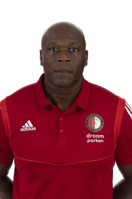 Errol Refos Trainer/coach O10