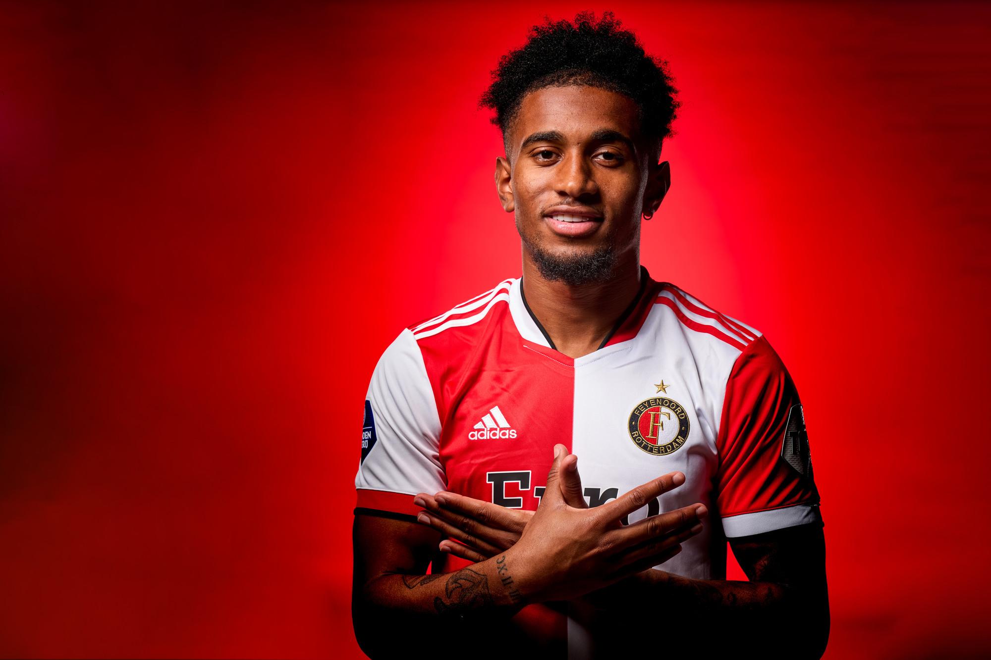 Feyenoord huurt talentvolle aanvaller Reiss Nelson